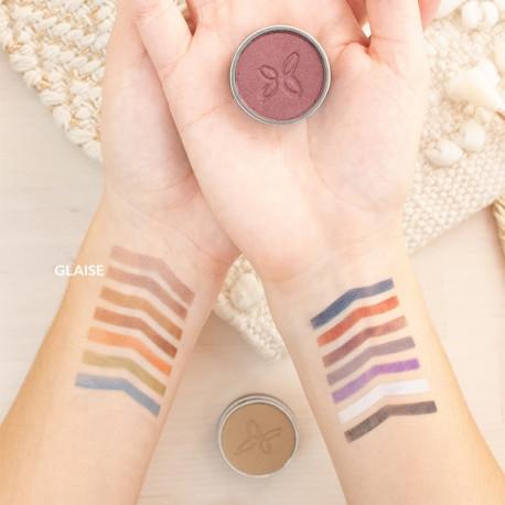 Crayon yeux et lèvres bio brun mine photo officielle de la marque Boho Green Make-up